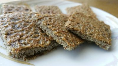 soaked quinoa flatbread or pizza crust