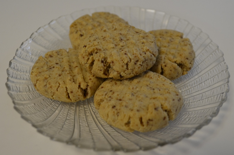 ALMOND FLOUR SHORTBREAD COOKIES without Eggs