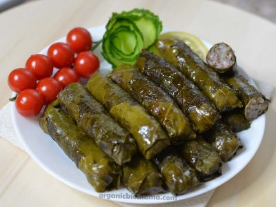 how to make dolma - grape leaf rolls